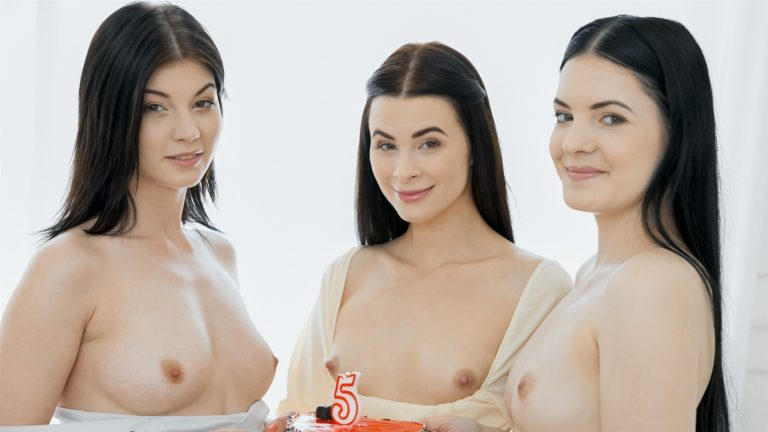 Anie Darling, Jenny Doll & Nessie Blue Naked and Ready
